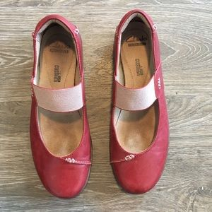 Clark's Cushion Soft Red Leather Flats